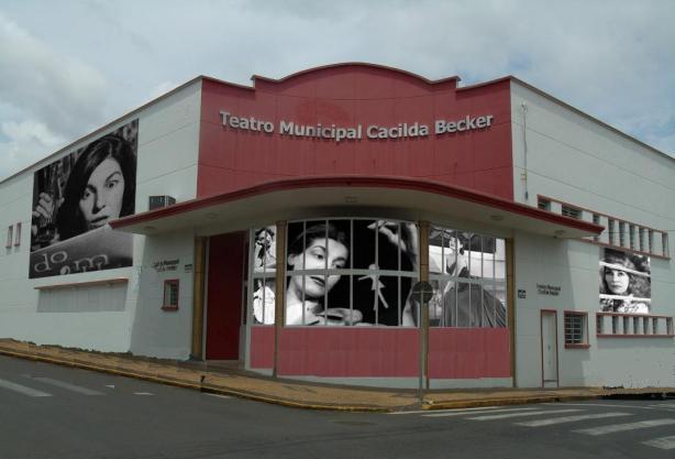 Teatro Municipal Cacilda Becker, Pirassununga/SP