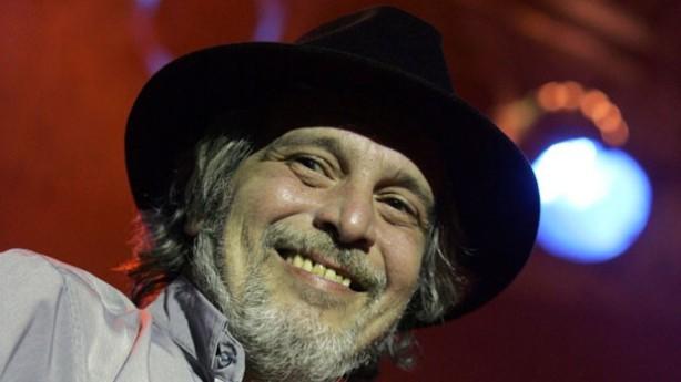 Blues Boy começou a tocar com Raul Seixas no final da década de 1970 (Foto: Fabio Motta/AE)